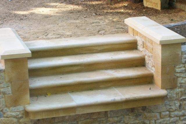 les marches de l'escalier